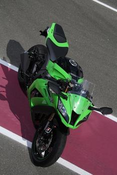 Kawasaki_ZX10R_11_03