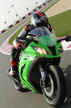 Kawasaki_ZX10R_11_10