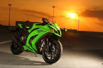 Kawasaki_ZX10R_11_21