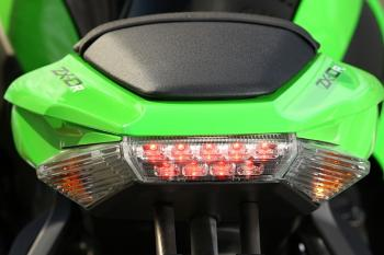 Kawasaki_ZX10R_11_36