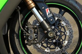 Kawasaki_ZX10R_11_37
