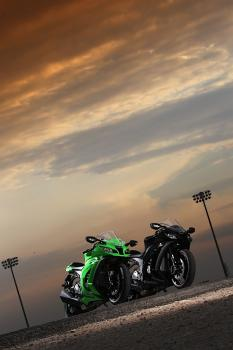 Kawasaki_ZX10R_11_40