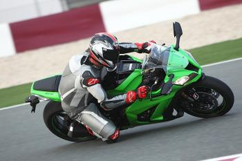 Kawasaki_ZX10R_11_43