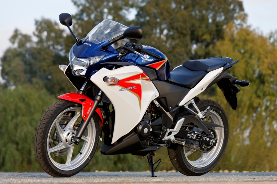 Honda Cbr250r Launched In India At 1 43 Ex Showroom Delhi