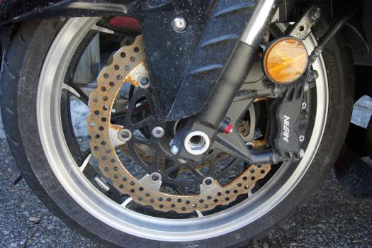 2012 ZX-14R after 1 winter front disc bakes small.jpg
